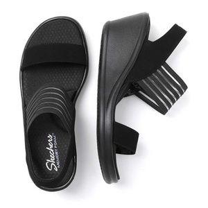 Skechers Cali Rumbler Memory Foam Sandal